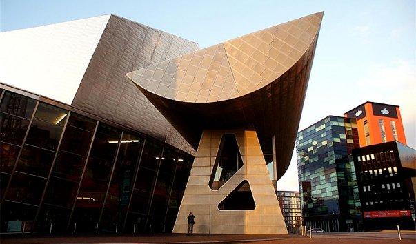 Выставочный центр Lowry