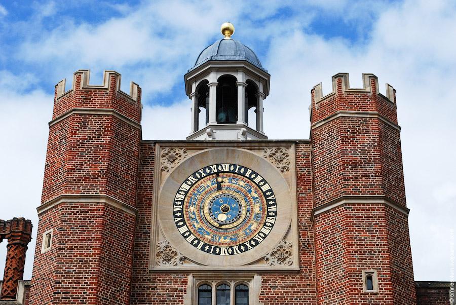 Анатомические часы выполненные в 1540 году