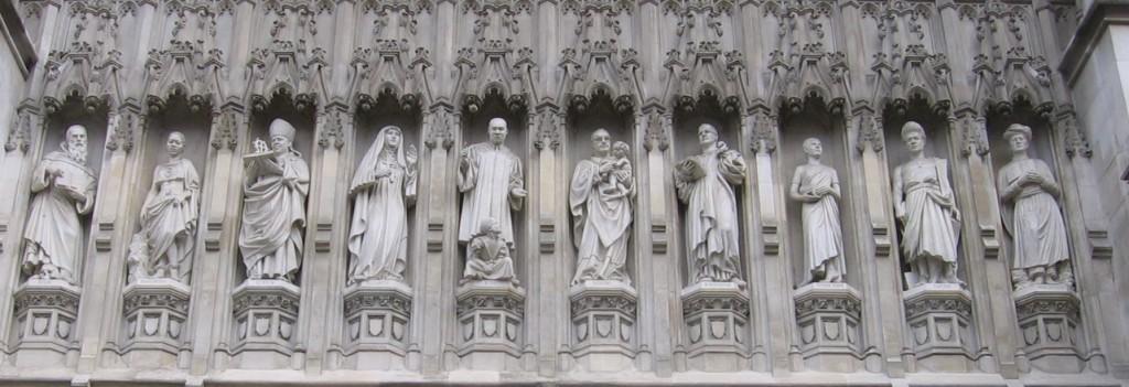 Фасад составленный из 10 мучеников XX века