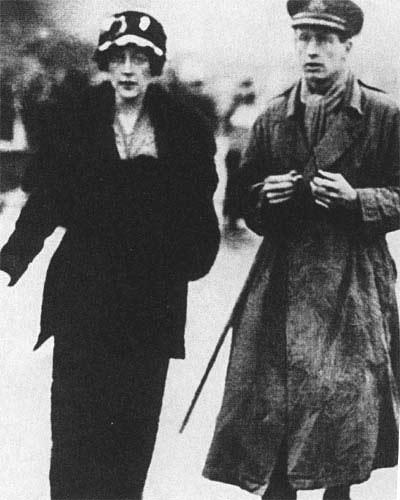 Agatha Christie с первым мужем Арчибальдом