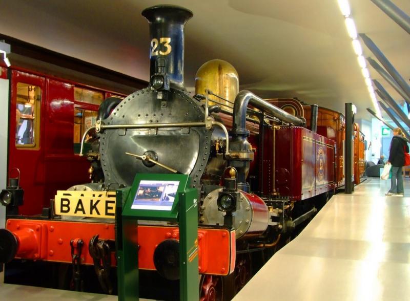Первый локомотив Лондонского метро