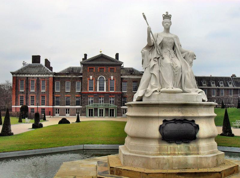 Фигура королевы Виктории