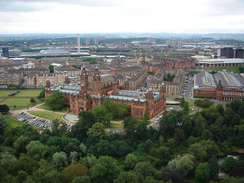 Вид на картинную галерею и музей университета Глазго