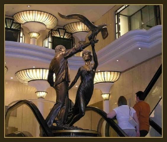Бронзовая скульптура Доди и Дианы